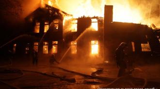 В Петербурге ночью тушили пожар в психиатрической больнице им. Скворцова-Степанова