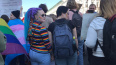 В Петербурге в первомайской колонне прошли ЛГБТ-активист...