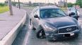 Пьяная автоледи на Infiniti попала в ДТП в Петербурге