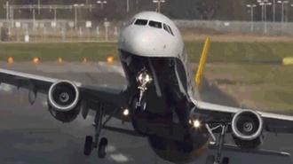 Среди пострадавших при аварийной посадке самолета в Катманду были россияне
