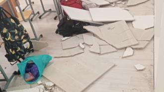 В школе №547 Петербурга во время урока рухнул подвесной потолок