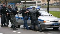 Началась проверка в отношении полицейского, избившего владельца кафе