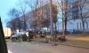 На проспекте Большевиков иномарка под музыку впечаталась в столб: водитель выжил