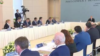 Алиев призвал Минскую группу представить предложения по налаживанию мира в регионе