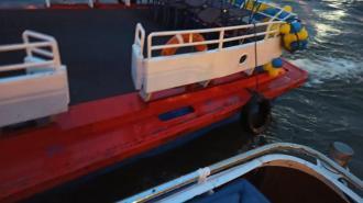 Теплоход врезался в опору Аничкова моста