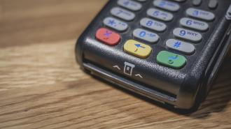 Visa и MasterCard заявили о продолжении работы на территории РФ