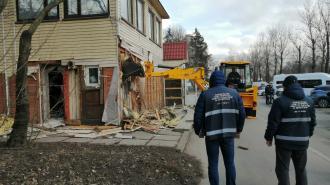 В Петербурге снесли ещё четыре незаконных торговых павильона