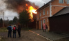 Спасатели больше часа тушили дом в Ломоносовском районе