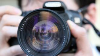 Жители Казани не хотят говорить на камеру о происшествии в школе
