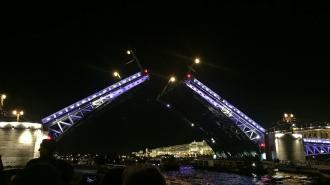 """Дворцовый мост засияет золотым в честь чемпионства """"Зенита"""""""