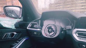 В Петербурге расследуют кражу руля из автомобиля на Лиственной улице