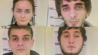 Банда из четырех грабителей забрала у петербуржца украшения, телефон и 100 рублей