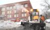 Центральные улицы Петербурга перекрыли из-за вывоза снега