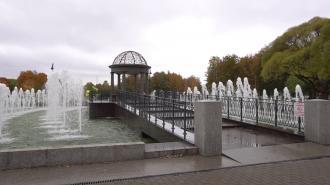 Стало известно, какие фонтаны запустят 1 и 9 мая в Петербурге