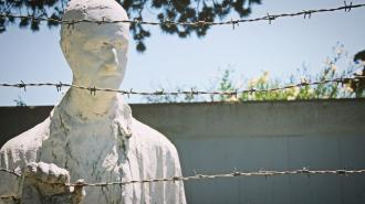 Дрозденко извинился за доклад ученого, отрицающего Холокост