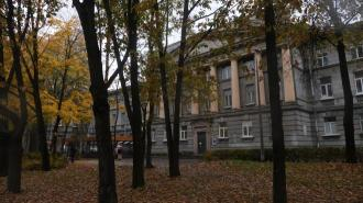 КГИОП отказался включать здание ВНИИ целлюлозно-бумажной промышленности в список памятников
