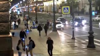 Бастрыкин поручил разобраться с бандой самокатчиков-хулиганов на Невском