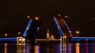 На Дворцовом мосту появится лазерная проекция портрета Гагарина 12 апреля