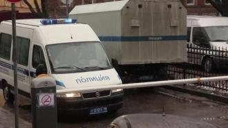В Невском районе пенсионер открыл стрельбу по соседу и его машине