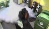 Сбежал с позором: дымогенератор напугал взломщика банкоматов на Коллонтай
