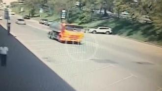 На юго-востоке Москвы несовершеннолетний водитель сбил людей на тротуаре