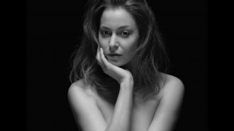 """Актриса из """"Игры престолов"""" Эсме Бьянко обвинила Мэрилина Мэнсона в насилии"""