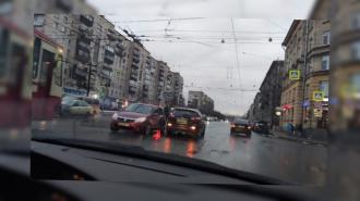 На перекрестке Маршала Говорова и Васи Алексеева произошла авария