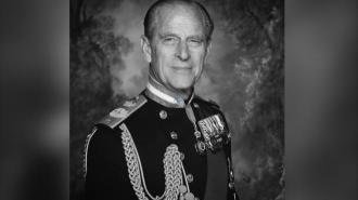 Память принца Филипа почтили орудийным салютом в британских городах и на военных кораблях