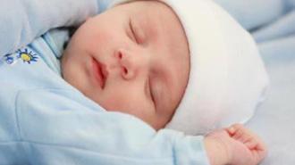 Мать-кукушка подбросила новорожденного в туалет одного из магазинов Москвы