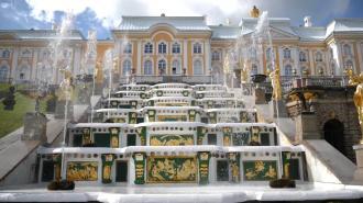 В Петергофе празднуют День Победы
