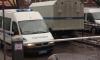 На Парашютной мужчины в масках обстреляли автоледи на Audi