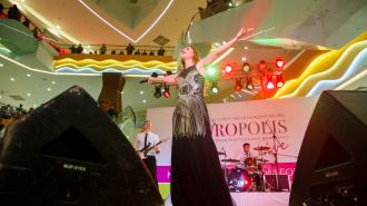 Юля Савичева выступила на сцене Europolis Live