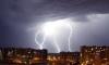 Молния убила людей в Петербурге и ранила - в Москве