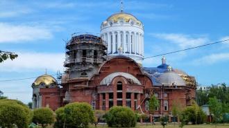 Таджик разгромил московский храм с одиозным настоятелем