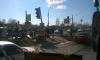На Луначарского ВАЗ перевернулся, снес столб, металлическое заграждение и светофор
