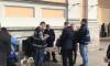 У уличных торговцев около Московского вокзала забрали зарядки и наушники