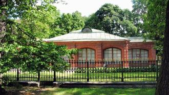 В Петербурге для посетителей вновь открывается Домик Петра I