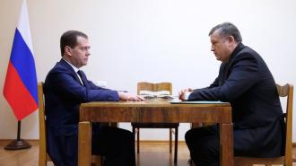 Дрозденко рассказал Медведеву о низкой рождаемости в Ленобласти