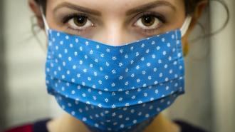 За минувшие сутки обследовали на коронавирус более 18 тысяч петербуржцев