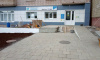 В преддверии Дня Ленобласти идет благоустройство территории у Бокситогорского филиала службы занятости