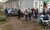 Пермячка сбила детей на тротуаре и протаранила здание поликлиники