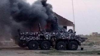Африканские боевики сожгли украинские БТР-3 при отступлении