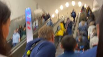 """На """"Маяковской"""" ногу пожилой женщины зажевал эскалатор"""