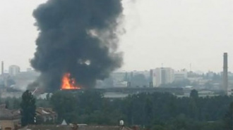 Дунайский в дыму: горят заброшенные гаражи