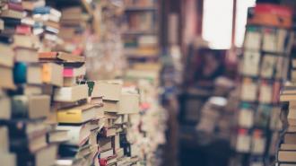 Двое мужчин подрались за место в читальном зале библиотеки на площади Островского