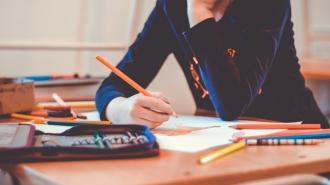 Почему письмо от руки делает детей умнее, рассказали ученые