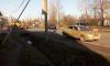 На Новодеревенской улице в Пушкине легковушка влетела в трактор