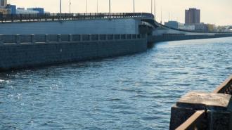 В Петербурге ограничат движение из-за ремонта Литейного моста