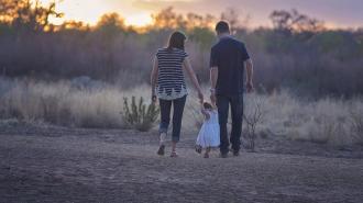 Госдума поддержала поправки о мерах поддержки семей с детьми
