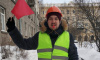 Дружинники помогли коммунальщикам убрать снег в Петербурге